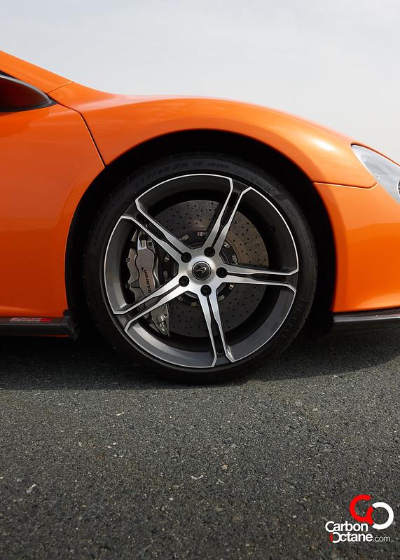 McLaren_650S_-06