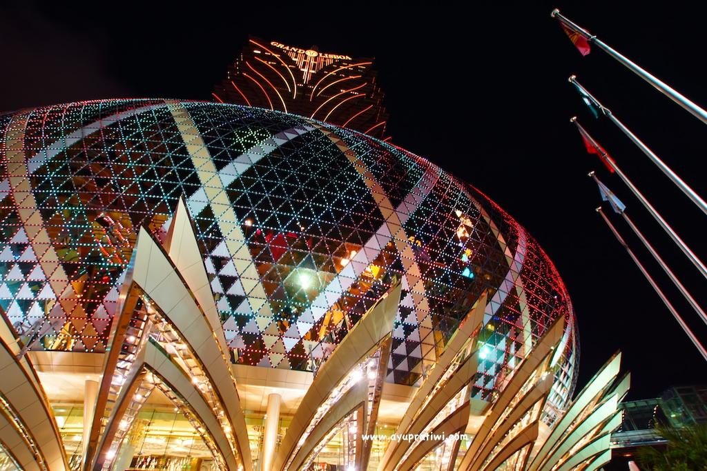 Macau-At-Night-3