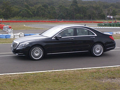 automobile, automotive exterior, executive car, wheel, vehicle, automotive design, mercedes-benz, rim, mid-size car, bumper, mercedes-benz cls-class, mercedes-benz e-class, mercedes-benz s-class, sedan, land vehicle, luxury vehicle,