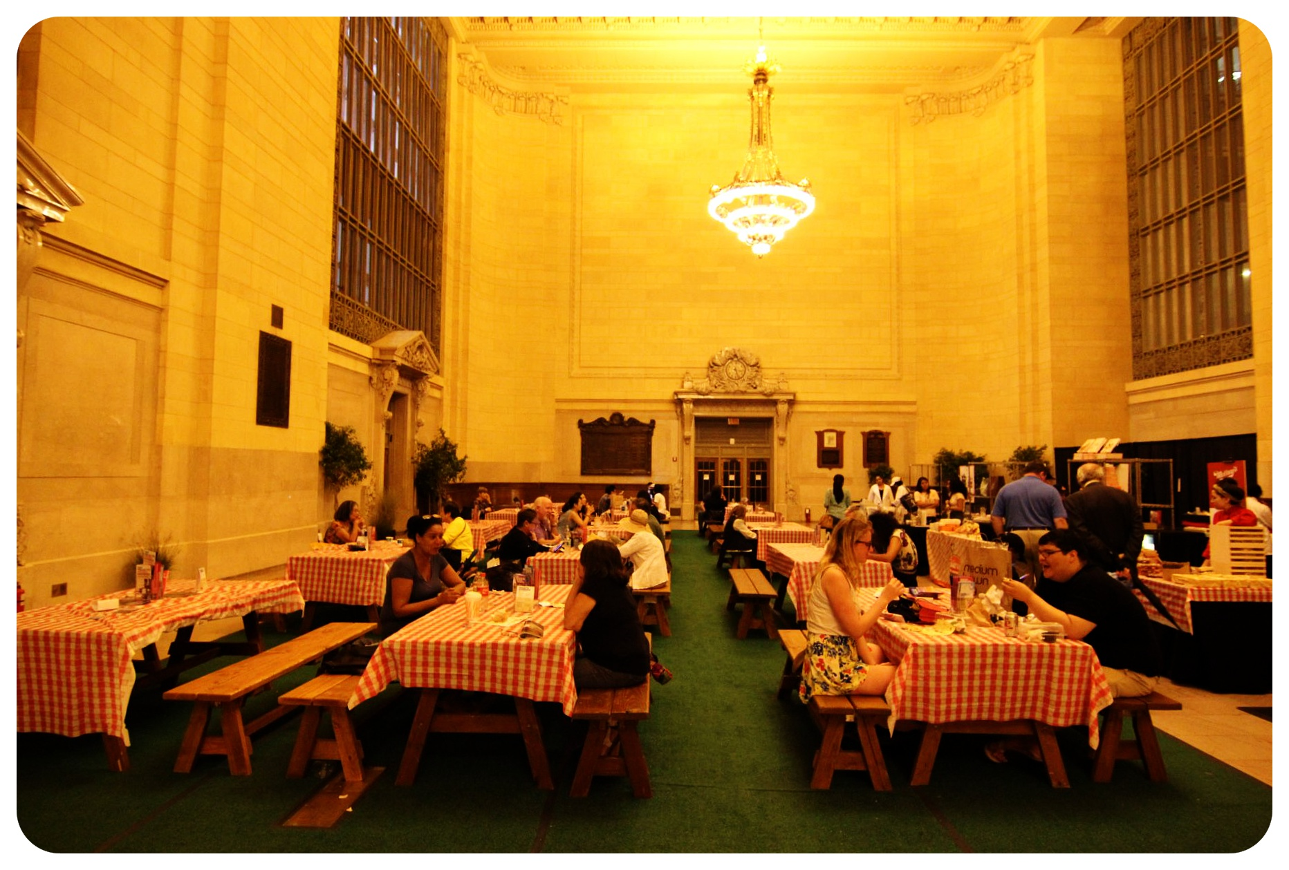 grand central picnic tables