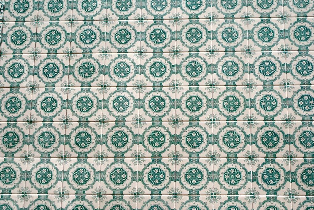 Motif géométrique moderne à Lisbonne.
