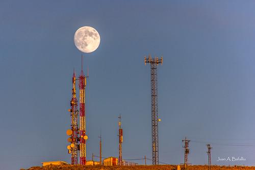Luna tecnológica