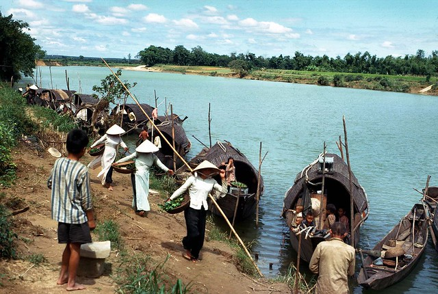 Quang Tri 1967 - Photo by Edward Palm - Along the Song Cam Lo