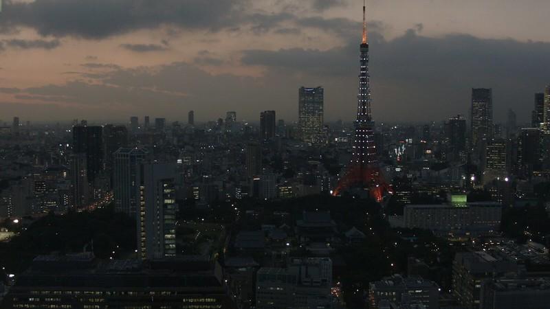 東京タワー。青色LEDであまり映えない