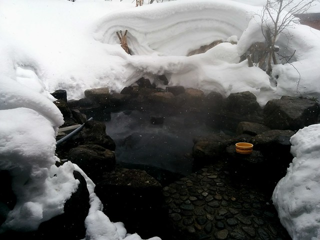 白布温泉の雪見風呂