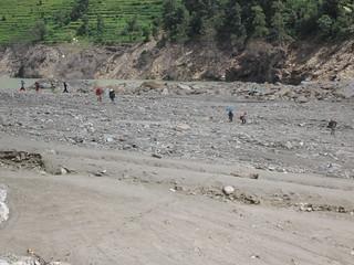 Arniko Highway landslide, porters