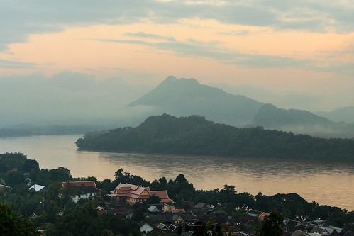 city travel sun mountains fall clouds sunrise river landscape nikon asia cityscape laos luangprabang louangphabang d5200 35mmf18g