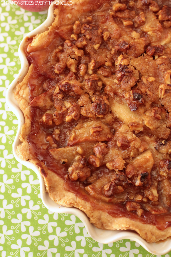 ... ://www.cinnamonspiceandeverythingnice.com/caramel-walnut-apple-pie