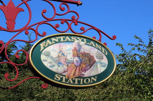 Fantasyland station sign