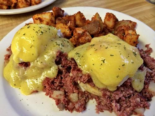 J&E's Yankee Diner Charlton MA Corned Beef Hash Benedict