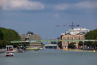 Le Bassin de la Villette et la Passerelle de la Moselle