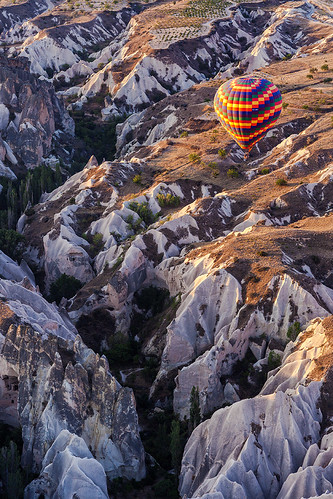 trees light sunrise turkey rocks crack hotairballoons cappadocia anatolia göreme rockformation kapadokya fairychimney