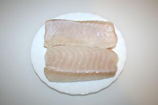 02 - Zutat Steinbeißer-Filet / Ingredient fish filet (spined loach)