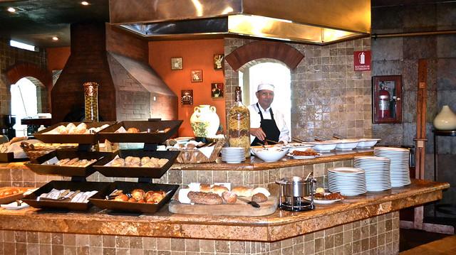 omelet station, grand tikal futura hotel