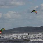 Kitesurfing on Cefn Sidan