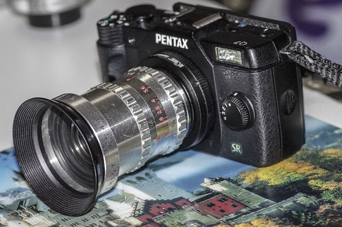 Pentax Q7 with SOM BERTHIOT CINOR 10mm F1.9