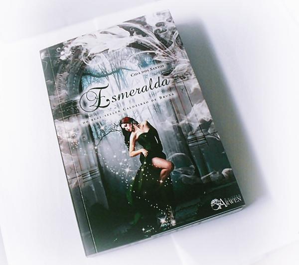Resenha, livro, Esmeralda, Cida dos Santos, Editora Arwen, box, poesia, romance, poema
