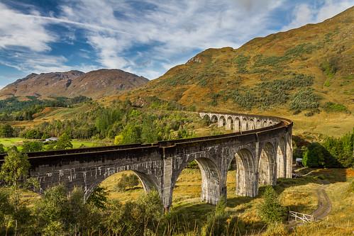 scotland highlands trains viaduct glenfinnan steamtrains scottishhighlands glenfinnanviaduct lochsheil thewesthighlandline thejackobite