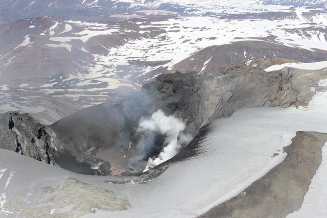 Cráter del volcán Copahue 1