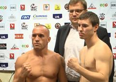 Mike Keta und Marat Khuzeev beim offiziellen Wiegen in Limit