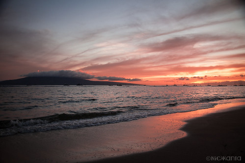 ocean sunset summer sky sunlight color reflection beach water clouds island hawaii sand nikon surf maui lahaina lanai hawaiianislands d90 outdoorphotography tamron1750