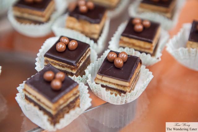 Opera cakes