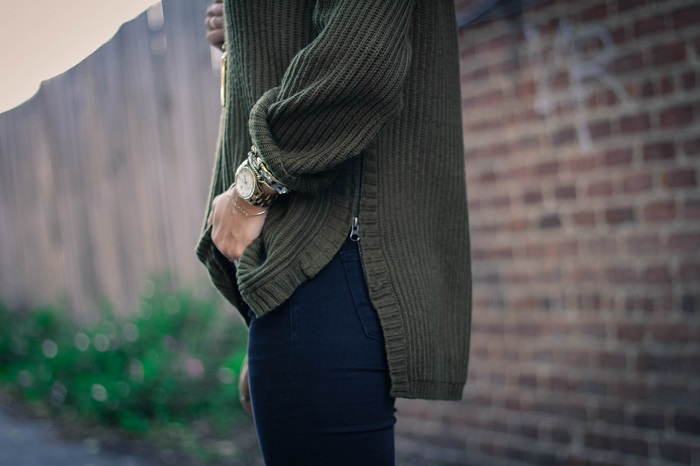casual fall style. madewell sweater. distressed black denim. tibi ankle booties. fall style. andrea viza. va darling. dc style fashion blogger. fashion blogger.11