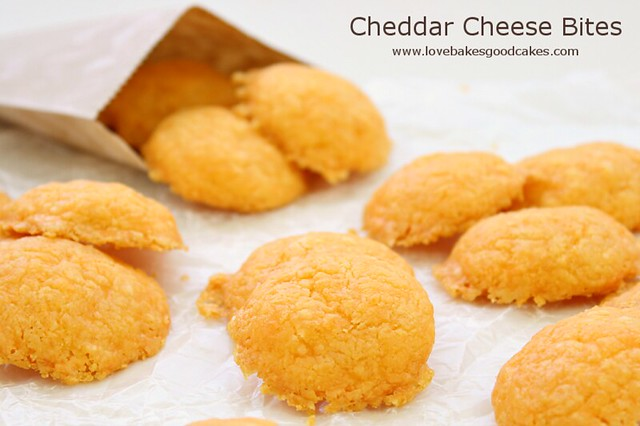 With only 4 ingredients, you can easily whip up a batch of these Cheddar Cheese Bites! They are perfect for a quick and easy appetizer, snack or accompaniment to  soup!