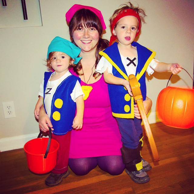 Yo ho mateyes away!!! #stevensonpartyoffive #halloween #jakeandtheneverlandpirates