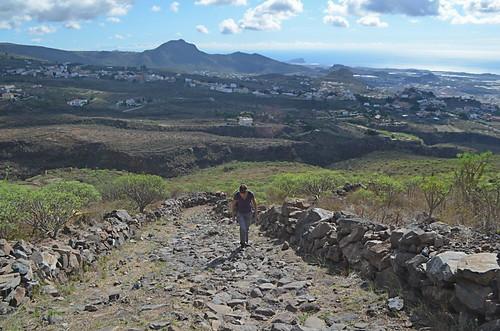 Climbing Roque del Condé