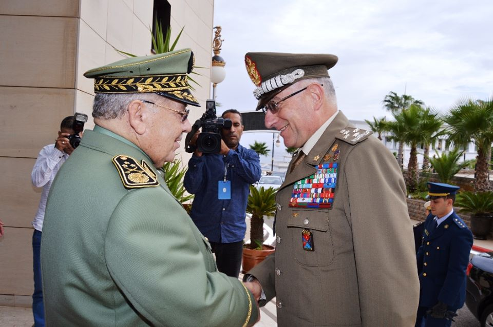 الجزائر : صلاحيات نائب وزير الدفاع الوطني - صفحة 5 30779736755_8b22335fbf_o