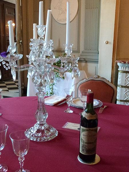 chandelier et vin