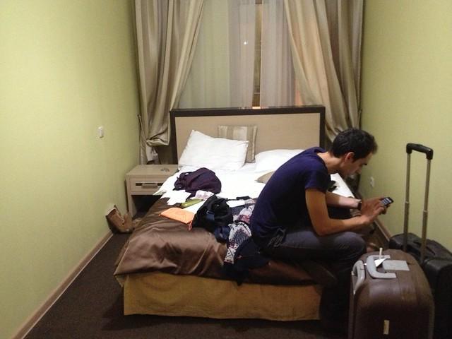 010 - En el hotel