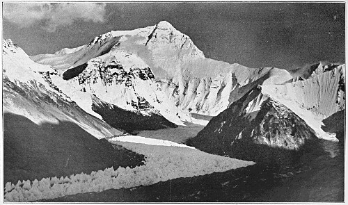 Everest_from_Rongbuk_valley,_1921