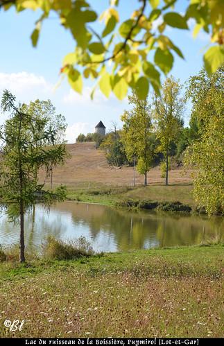 Puymirol, le lac et le moulin