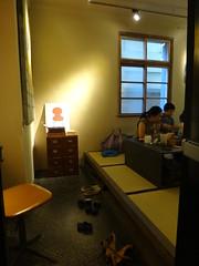 DSC03484 - 2011-0916 Taipei 伊聖詩私房書櫃 ESCENTS BOOKCASE
