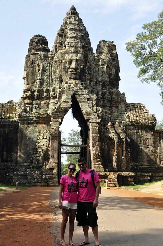 Momento #OneTwoTrip en la Puerta Sur de Angkor Thom visitar los templos de angkor en un día - 15263293079 f847012bf5 b - Visitar los templos de Angkor en un día
