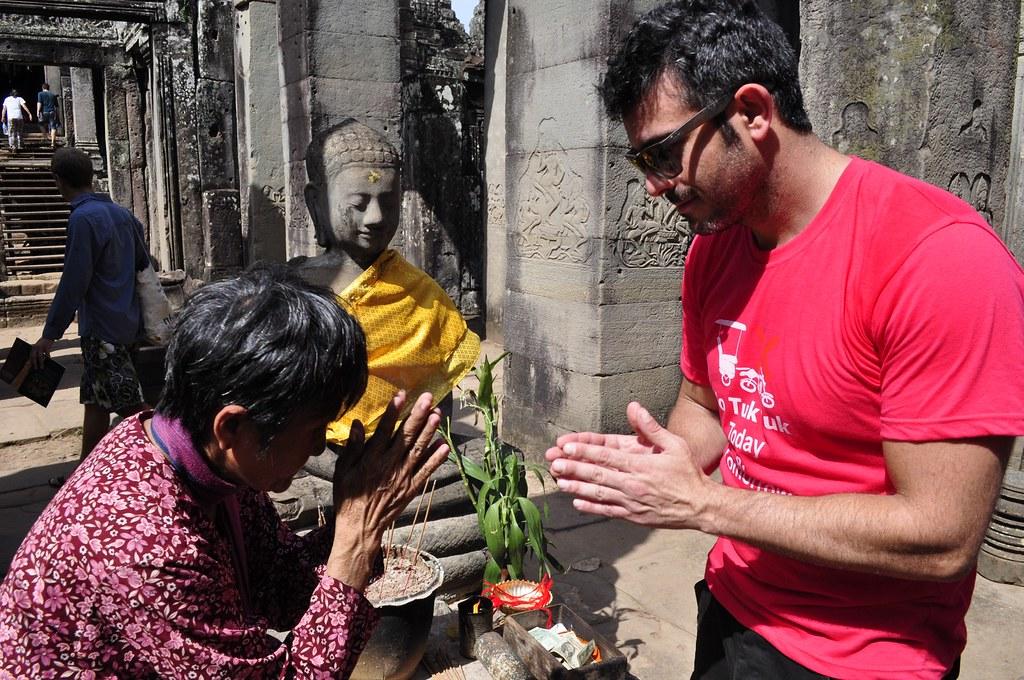 Templo de Bayon en Angkor Thom (Camboya) visitar los templos de angkor en un día - 15263719907 0ec5b94d9d b - Visitar los templos de Angkor en un día