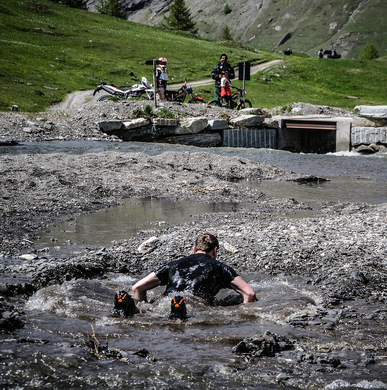 tuffo in Valle Argentera, bagno