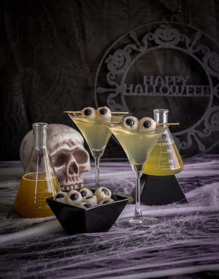 Creepy Eyeball Martini (Lychee, Matcha and Blood Orange Martini) www.pineappleandcoconut.com