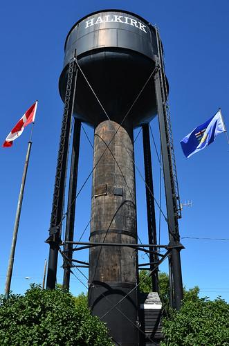 summer canada tower water flag july alberta 2014 7月 七月 カナダ 文月 halkirk bookmonth fumizuki アルバータ州 shichigatsu 平成26年