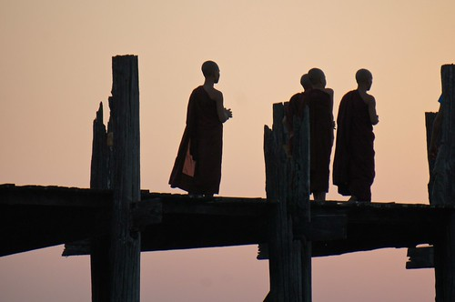 sunset silhouette myanmar mandalay amarapura ubeinbridge