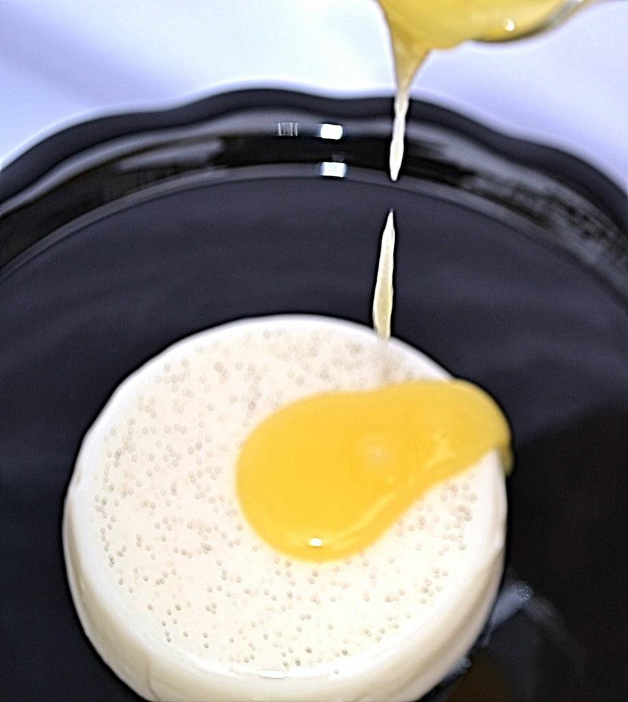 Vanilla Bean Panna Cotta with Lemon Curd