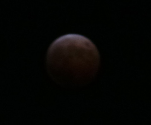 20141008_lunar-eclipse-2