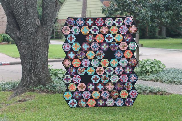 Hexy Plus Quilt & Pattern