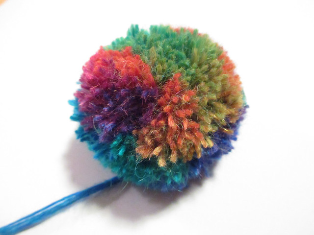 Clover small pompom maker