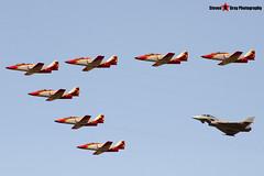 Patrulla Aguila - CASA C-101EB Aviojet & Eurofigther Typhoon - Fairford RIAT 2006 - Steven Gray - CRW_1963