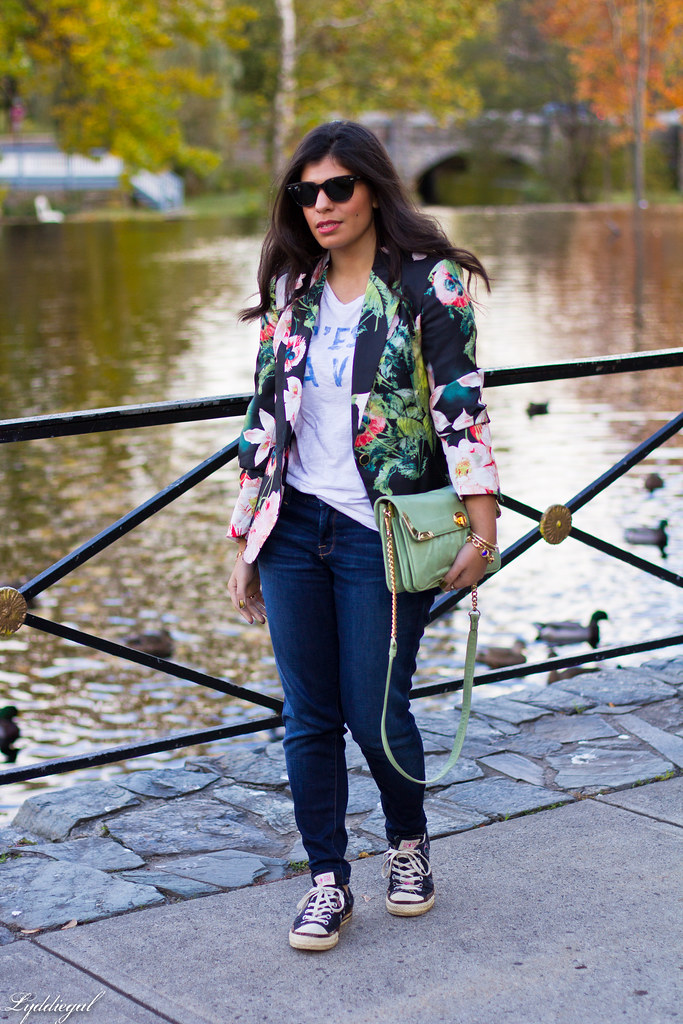 Jeans, graphic tee, floral blazer, converse-1.jpg