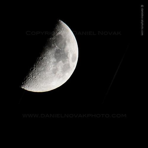 moon blackbackground night virginia unitedstates telephoto quarter technique blacksky mcgaheysville