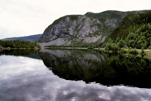 norway norwegen hemsingbru hugakøllen vangsmjøse lake nature oppland vang landscape reflections